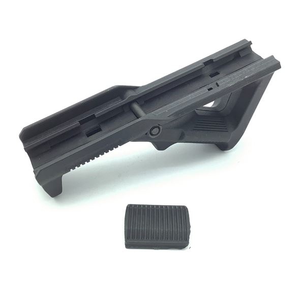 Angled Foregrip
