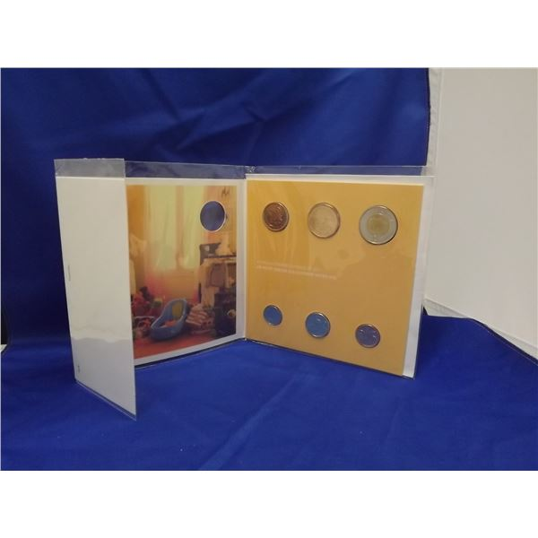 """2012 """"YOUR NEW BABY"""" COMMEMORATIVE ROYAL CNDN MINT COIN SET"""