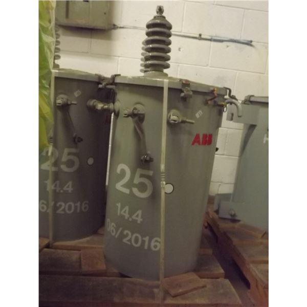 BRAND NEW ABB POWER POLE TRANSFORMER; 25 14.4 06/2016  - 6013233 TC