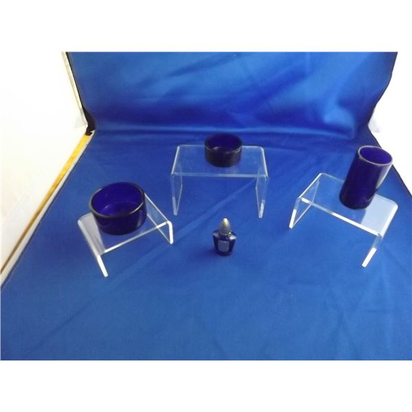 SMALL LOT OF COLLECTIBLE COBALT GLUE GLASS PIECES