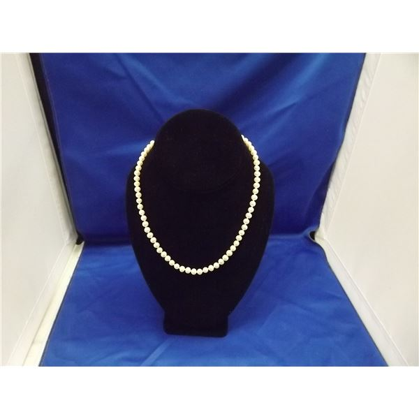 FRESH WATER WHITE PEARL NECKLACE BEAUTIFUL LUSTER