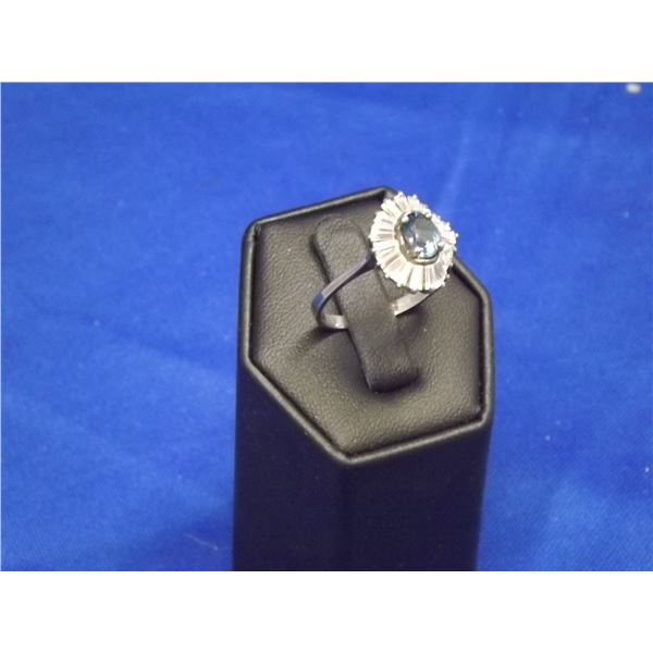 STERLING SILVER LADIES COCKTAIL RING TOPAZ AND GLASS
