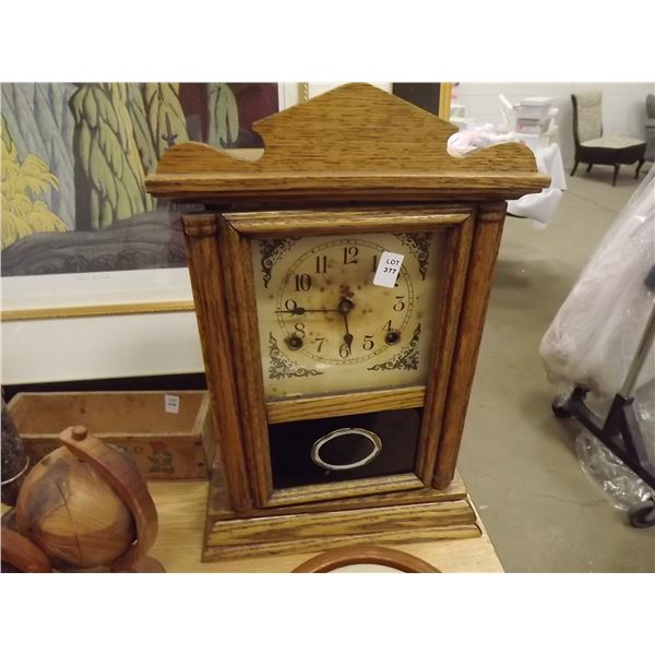 1 WIND UP MATLE CLOCK MADE IN USA