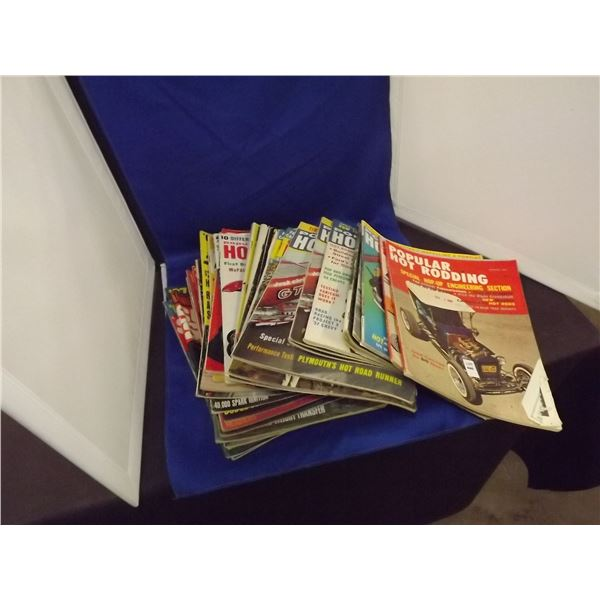 1960'S HOT ROD MAGAZINES 31 IN THE LOT