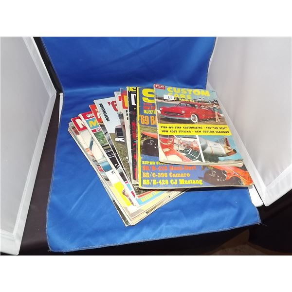 1960'S HOT ROD MAGAZINES 17 IN THE LOT