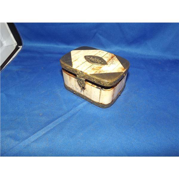 1 BONE TRINKIT BOX, WITH BRASS DETAIL