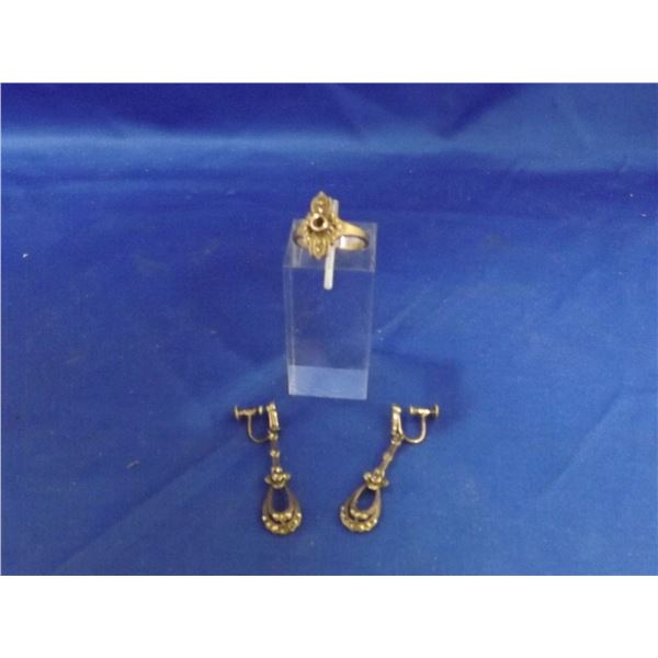 SILVER RING AND EARLING SET