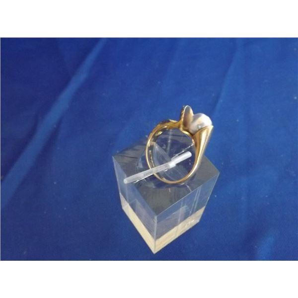 LADIES 14 K YELLOW GOLD RING SIZE 6.25 5.1GRAMS ARV $1100