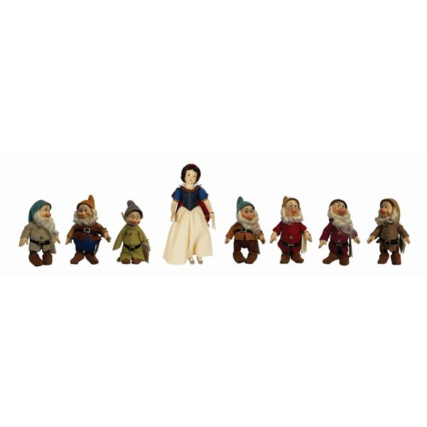 Snow White and the Seven Dwarfs R. John Wright Dolls.