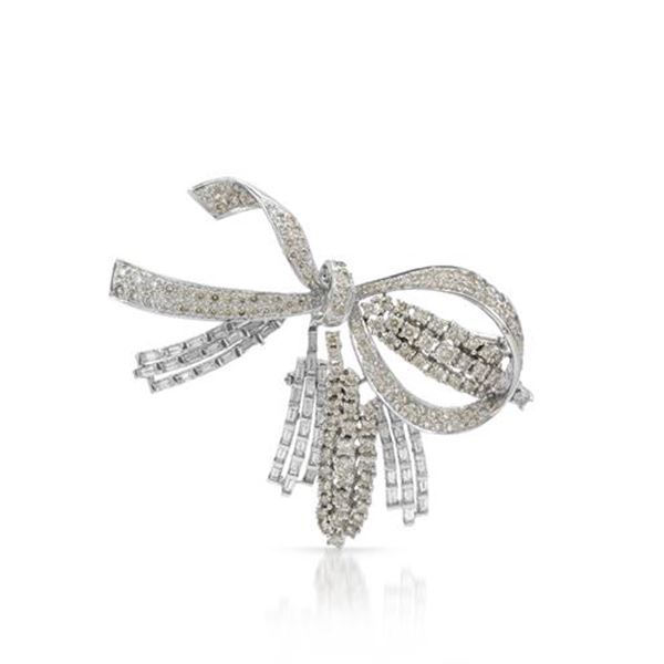 Natural 5.52 CTW Diamond & Baguette Brooch 18K White Gold - REF-599N4Y