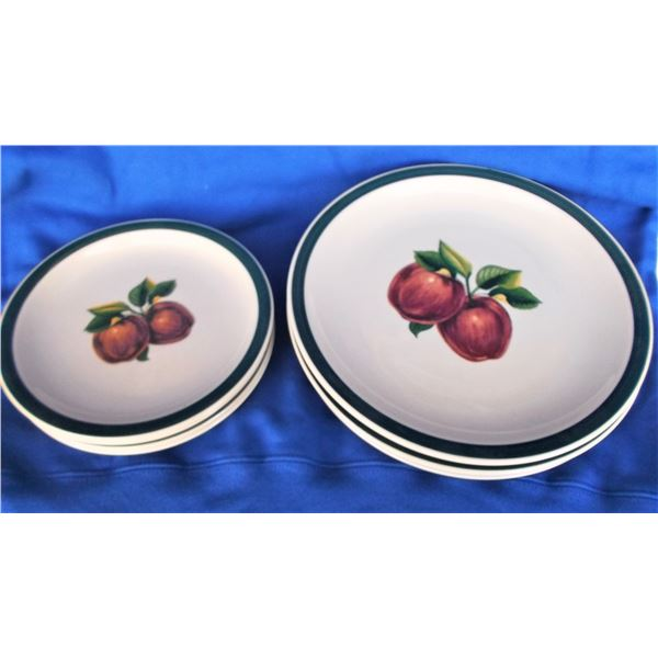 Dishes/4 Dinner and 4 Side Plates Apple Design
