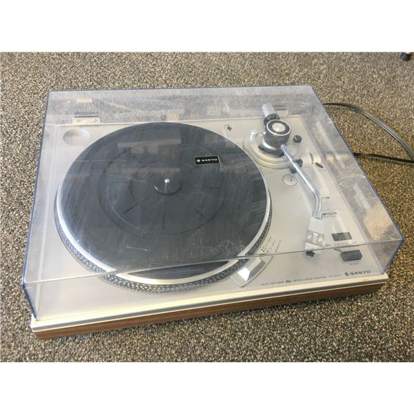 Sanyo Turntable - Tested and Works