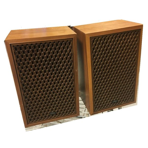 AKAI Speakers - Large Pick Up Recommended