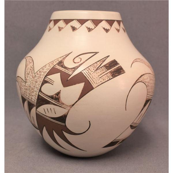 HOPI INDIAN POTTERY JAR (WHITE SWAN )