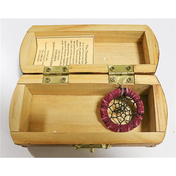 MOHAWK CRAFTED DREAM CATCHER IN WOOD BOX