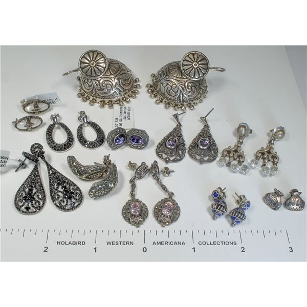 12 Pairs Vintage Earrings  [124847]