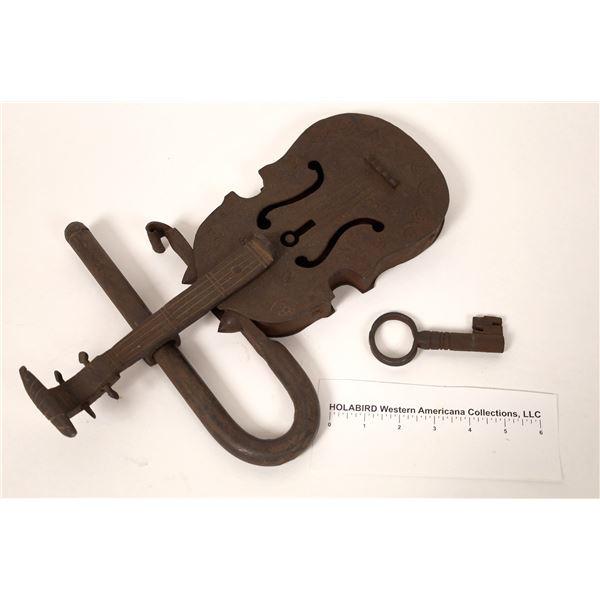 Novel Music Store Lock & Key  [131706]