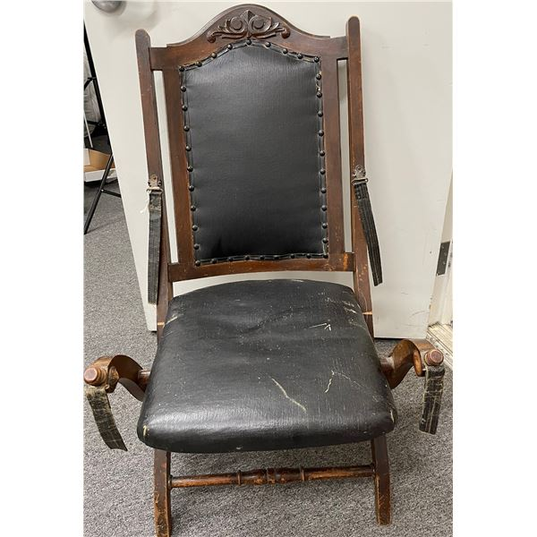 Holmes Antique Folding Wooden Chair  [132240]