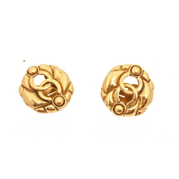 Chanel Vintage Gold CC Logo Round Clip On Earrings