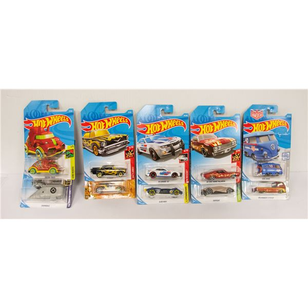 BAG OF COLLECTIBLE HOT WHEELS CARS