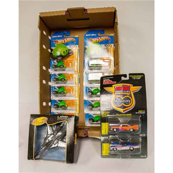 FLAT OF COLLECTIBLE HOT WHEELS CARS