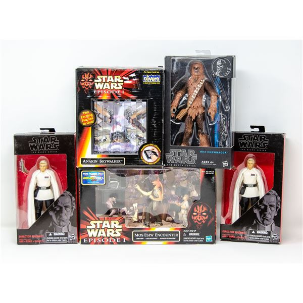 FLAT OF COLLECTIBLE STAR WARS TOYS