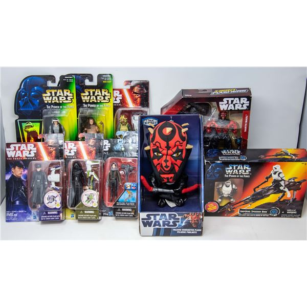 FLAT OF STAR WARS COLLECTIBLES