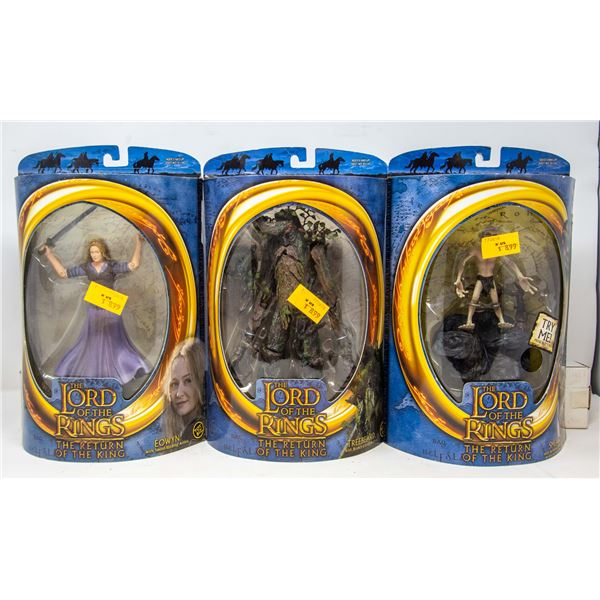 FLAT OF LORD OF THE RINGS FIGURES