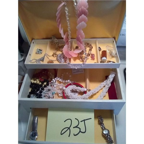 Assorted Vintage Jewelry Lot, Includes Case / AKA LOT 23J