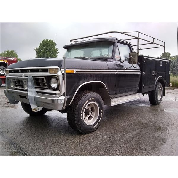 1976 FORD F150 CUSTOMIZED CONTRACTOR'S TRUCK / AKA LOT 517