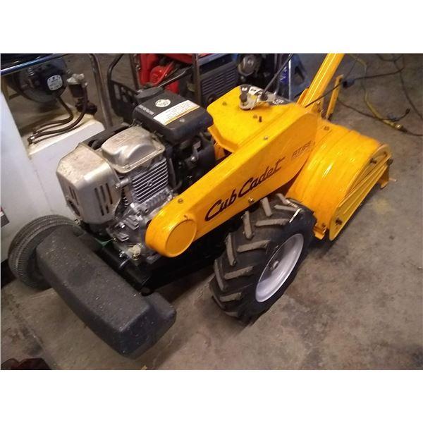 LIKE NEW CUB CADET RT65 ROTOTILLER W HONDA ENGINE / AKA LOT 509