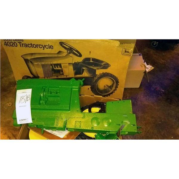 John Deere 4020 Diesel, New KD in Box