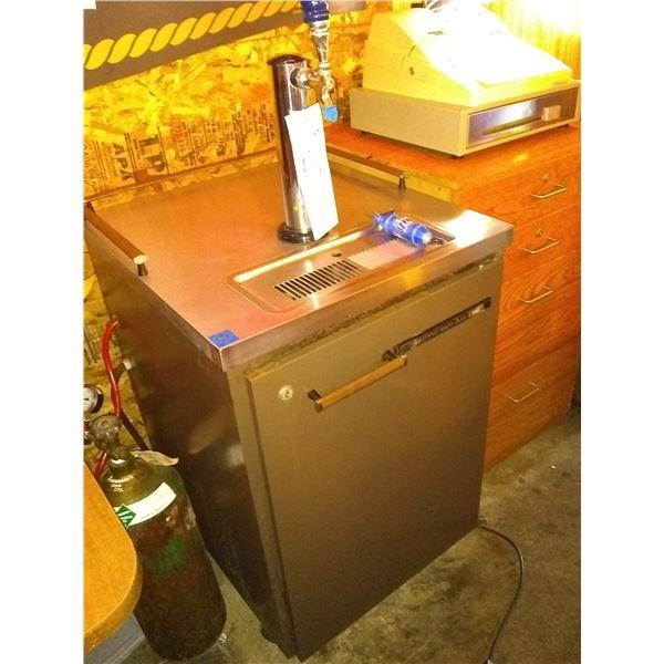 Beverage-Air Draft Beer System w/ Tank, Works