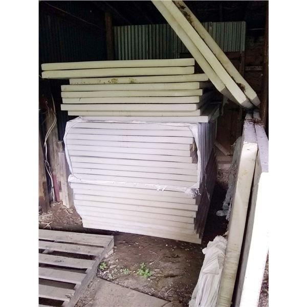 New 4' x 8' Owens Corning Insulation Panels (5) / AKA LOT 550