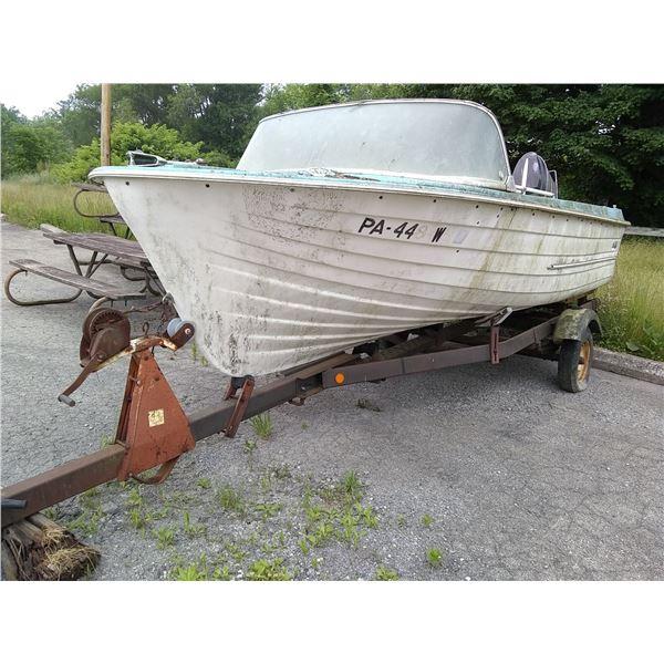 Vintage MFG Boat and Trailer / AKA LOT 580