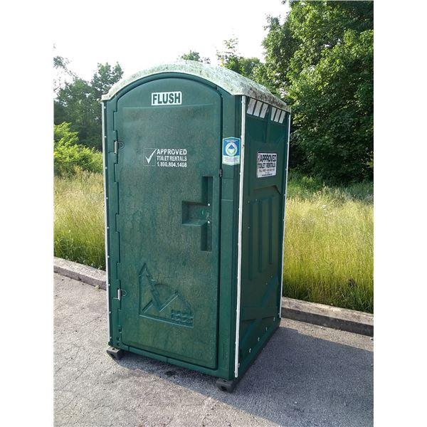 Portable Toilet, Like-New / AKA LOT 575