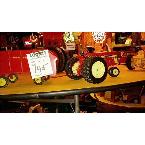 Farmall 1/16 Scale Model Tractor w/ Manure Spreader