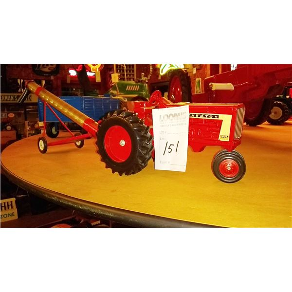 Farm Toy Tractor w/ Elevator, 1/16 Scale