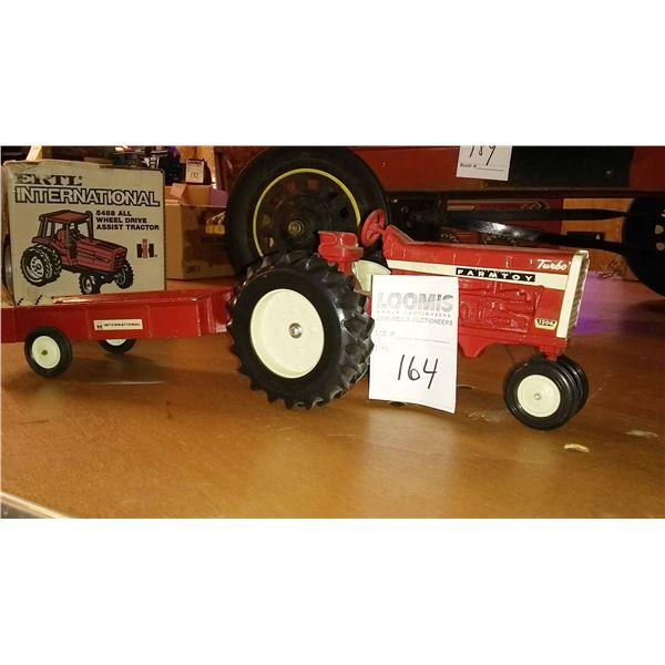 International 1206 1/32 Scale Model Tractor w/ Manure Spreader