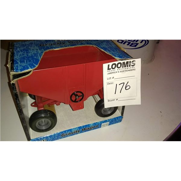 Vintage 1/16 Scale Model Gravity Wagon