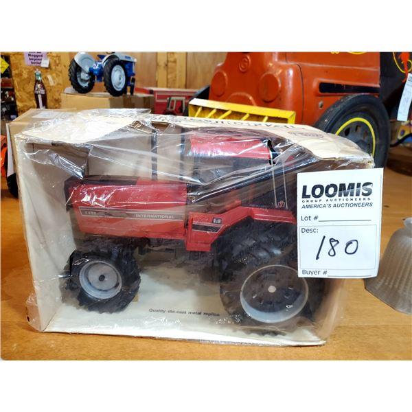International 5488 1/16 Scale Model Tractor
