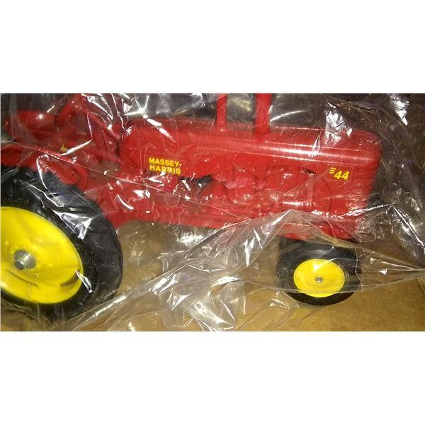 Massey Harris 44 1/16 Scale Model Tractor