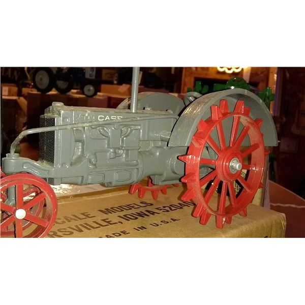 Case 2944 1/16 Scale Model Tractor