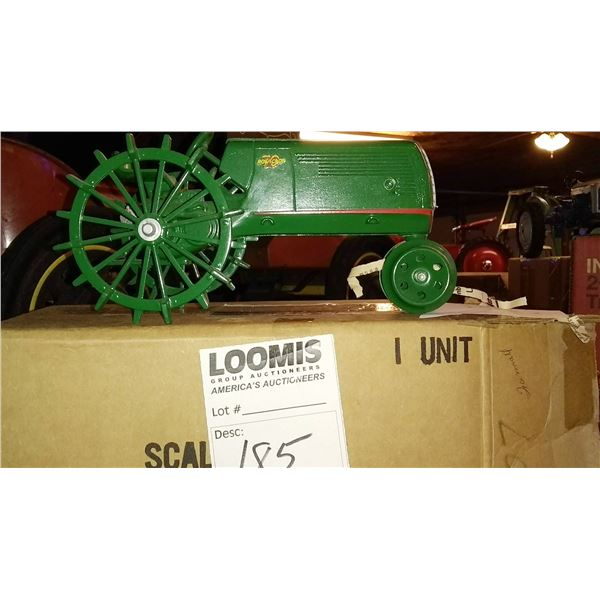 Oliver 70 Row Crop 1/16 Scale Model Tractor