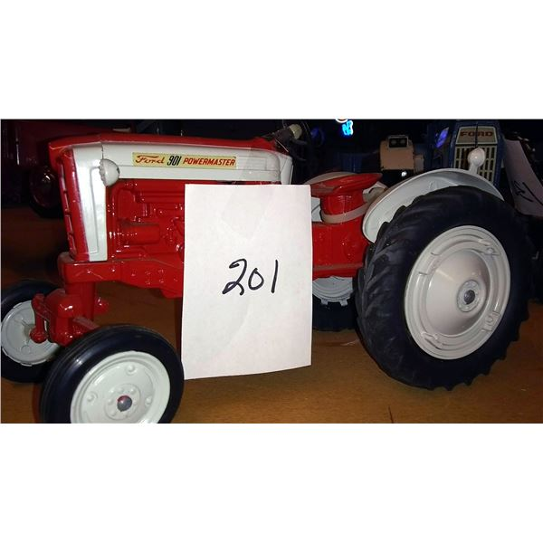Ford 901 Powermaster 901 1/16 Scale Model Tractor