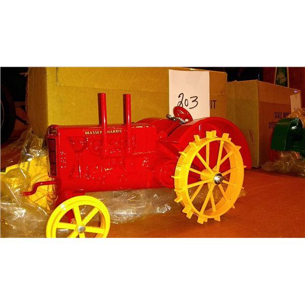 Massey Harris 1913 1/16 Scale Model Tractor