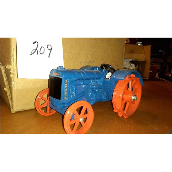 Fordson Antique Steel Wheel 1/16 Scale Model Tractor