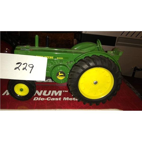 John Deere Diesel 1/16 Scale Model Tractor