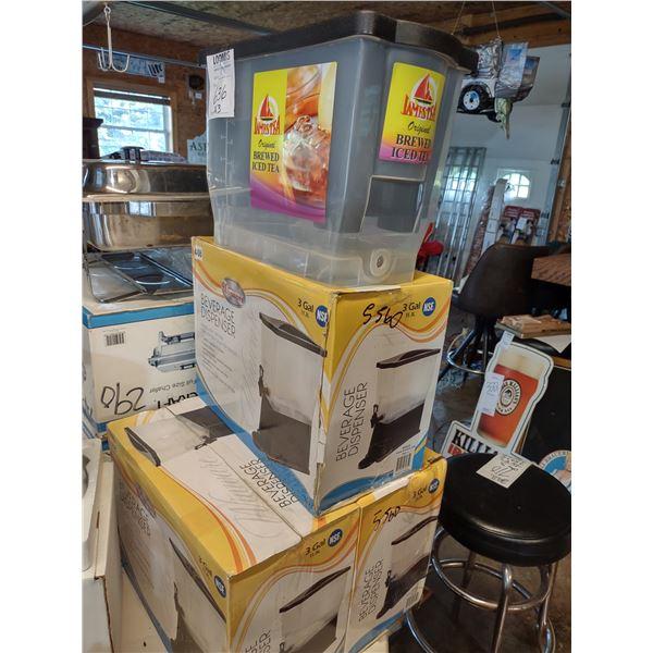New Winware 3 Gallon Beverage Dispensers (3)