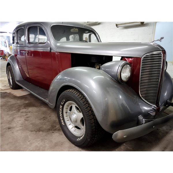 1938  Dodge D8 Sedan